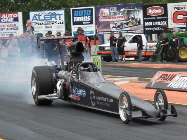 Raymond Gubb top qualified the Gubb Pumps dragster in NZ Hot Rod Magazine Competition, with a 7.060 at 191.40 mph. Photo by Ralph Smith.